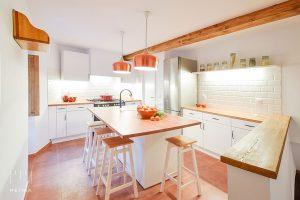 Casa Venancio: La reforma integral de una casa de pueblo en Gredos